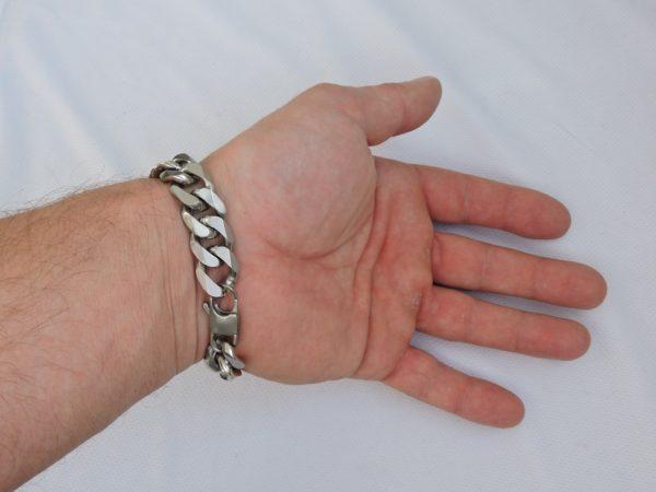 Подарок для мужчины браслет