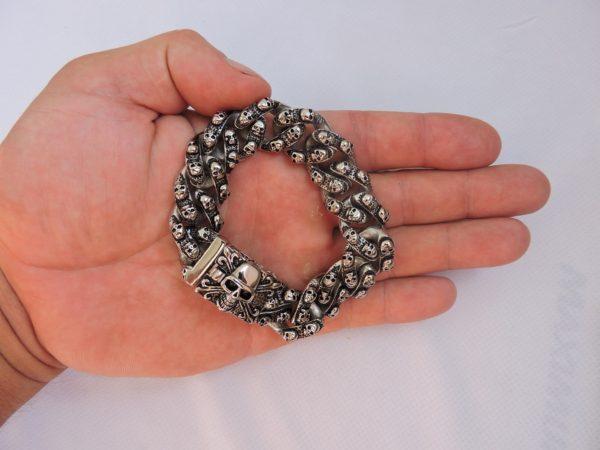 Купить браслет с черепом