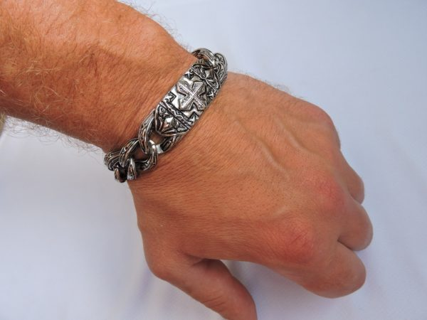 Настоящий мужской браслет