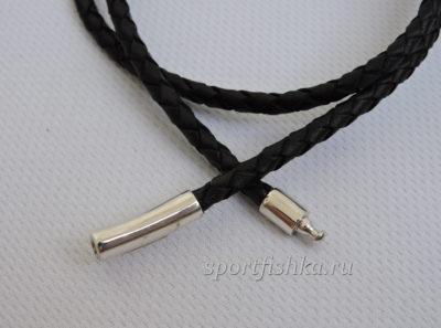 Кожаный черный шнурок с серебряным замком