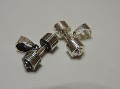 Кулон гантель из серебра