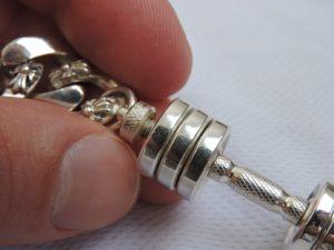 Спортивный браслет, браслет с гантелей