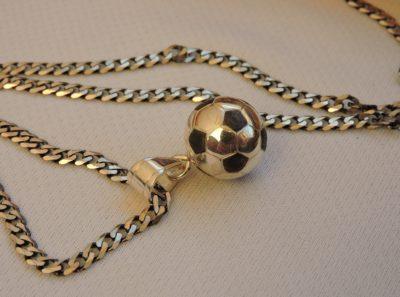 Подарок футболисту