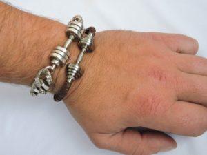 Купить браслет для спортсмена, браслет с гантелей