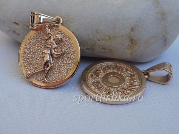 Бодибилдер кулон золото