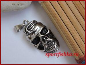 Кулон в виде черепа из стали