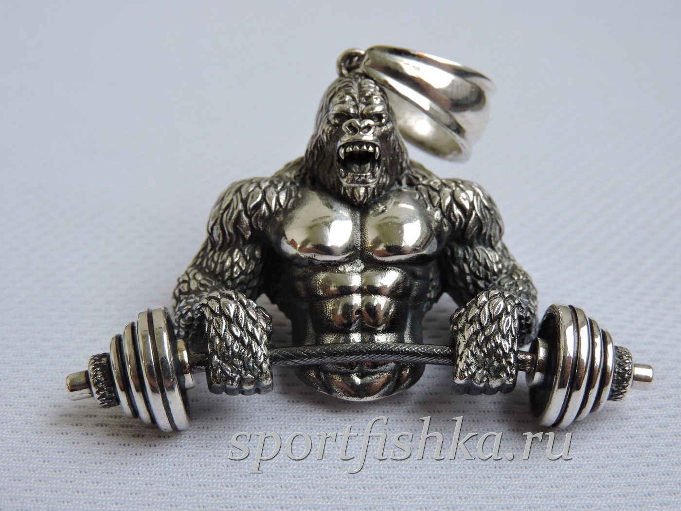Подарок тренеру кулон горилла