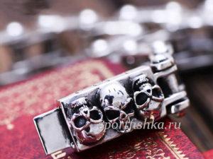 Браслет из серебра с черепами мотоцепь