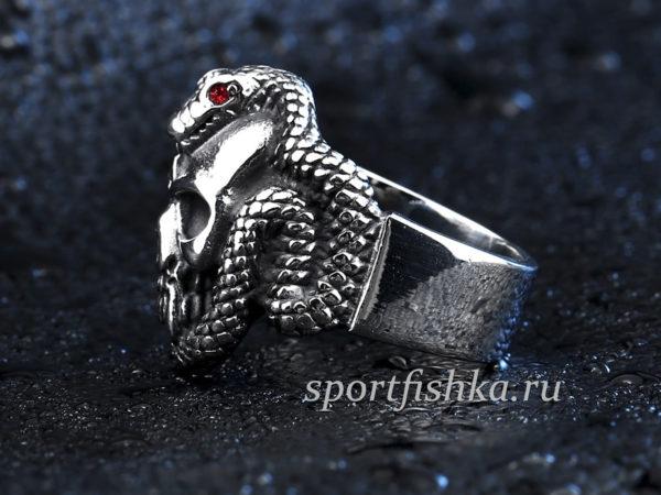 Кольцо череп со змеей