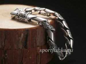 Круглый серебряный браслет