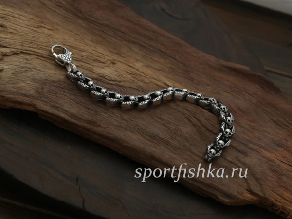 Необычный серебряный браслет мужской