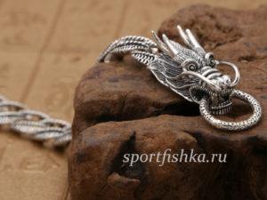 Серебряный браслет с головами драконов