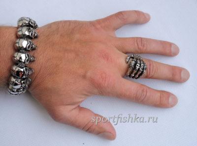 Браслет из стали кольцо с черепами скелет
