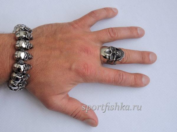 Браслет кольцо череп из стали
