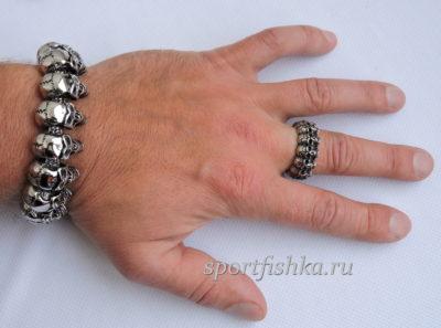 Кольцо из стали браслет с черепами