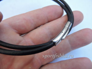Черный гладкий кожаный шнурок