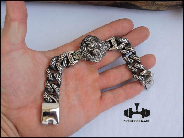 Большой браслет из стали со львом в руке фото