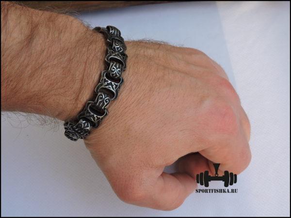 Браслет из стали для мужчин фото на руке