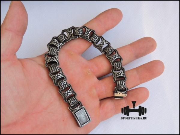Браслет из стали для мужчин фото в руке