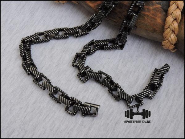 Мощная черная цепочка из стали